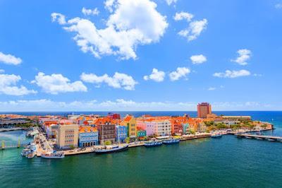 Willemstad capitale de Curacao vue aérienne