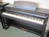 Yamaha CLP470 digital piano