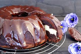 http://rezeptemitherz.blogspot.de/2015/02/schoko-gugelhupf-mit-cheesecake-fullung.html?m=1