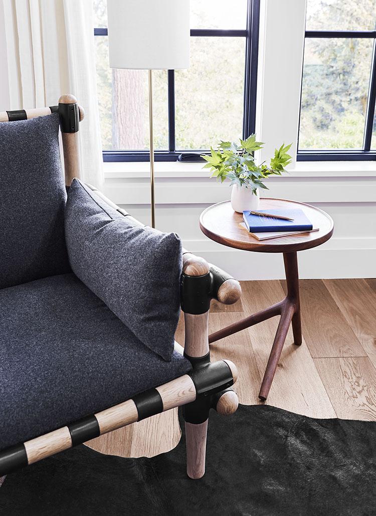tapizar-sofa-estampado-vichy-decoracion-salon-blanco-negro