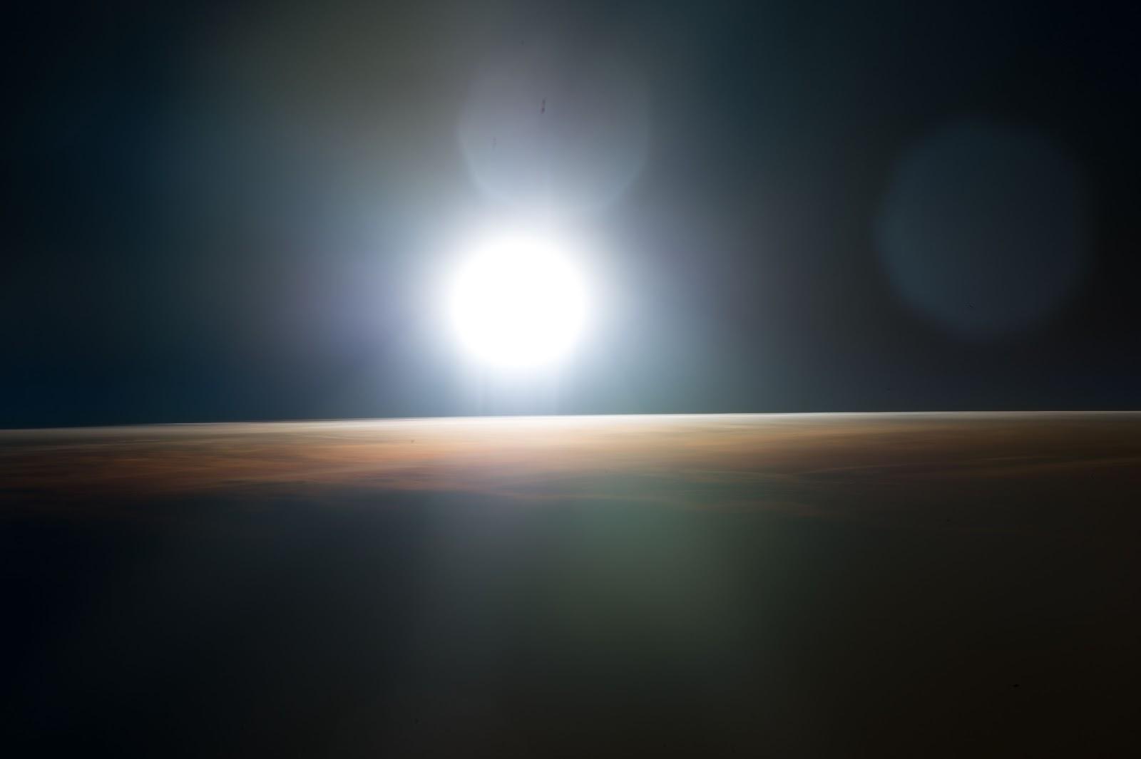 sunrise from international space station - photo #23