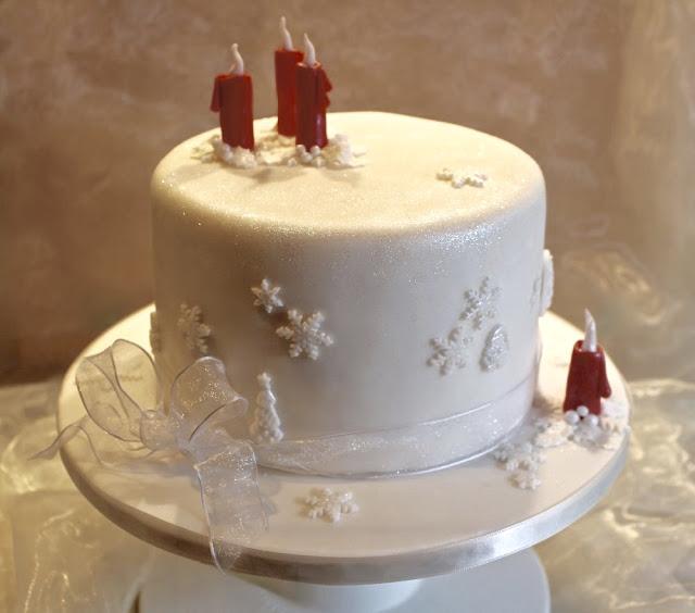 Adventstorte - saftige, adventliche Torte mit Walnuss-Puddingbuttercreme und Quittenmus