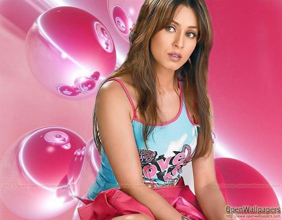 Kuch dard mahima chaudhary hot song - 3 3