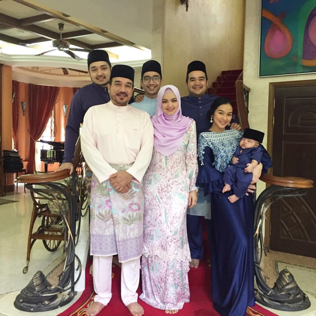 Sekitar Suasana Hari Raya Siti Nurhaliza (Gambar)