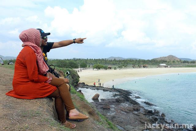 wisata ke pantai Tanjung Aan Lombok Tengah