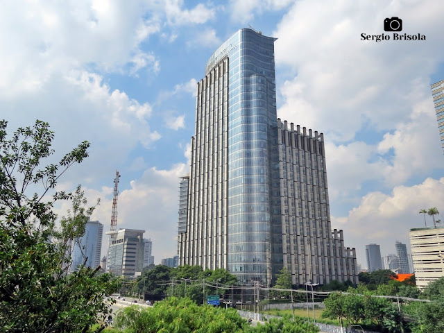 Vista ampla do Edifício Nestlé Building - Vila Cordeiro - São Paulo