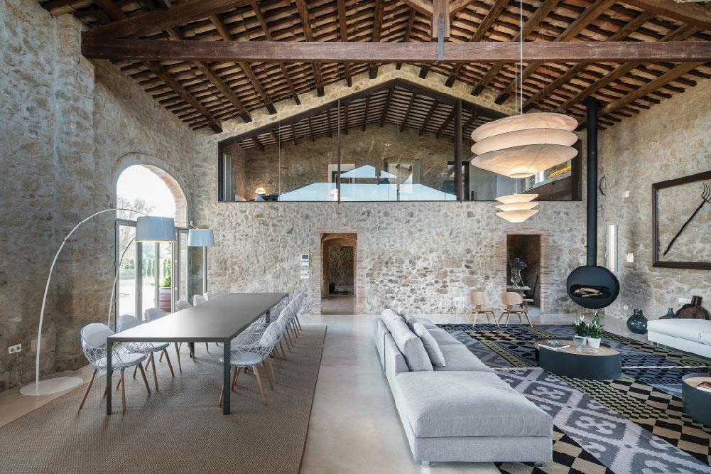 Interni Ristrutturati Of Elegante Casale A Girona Completamente Ristrutturato