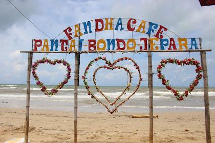 Fandha  Cafe Pantai Bondo Jepara