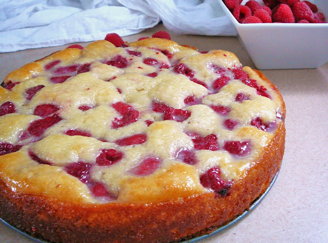 http://www.eat8020.com/2011/08/20-royal-raspberry-cake.html