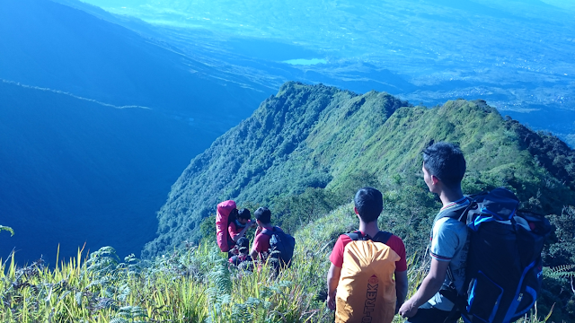 puncak gunung bismo