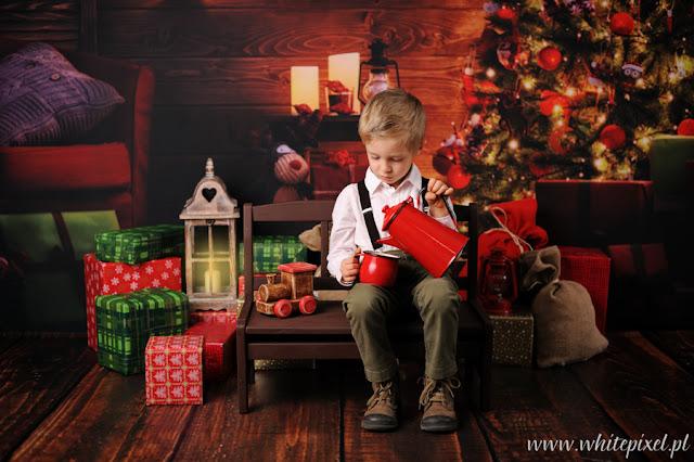 W Lublinie również zapraszamy na sesje świąteczne, dużo prezentów, niespodzianek na sesji i choinka