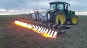 Flamethrowing Tractor no Need of Chemicals to Gets Rid of Weeds