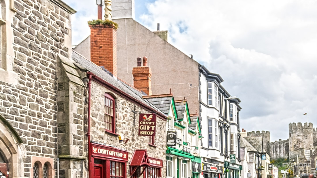 Cafes and shops in Conwy