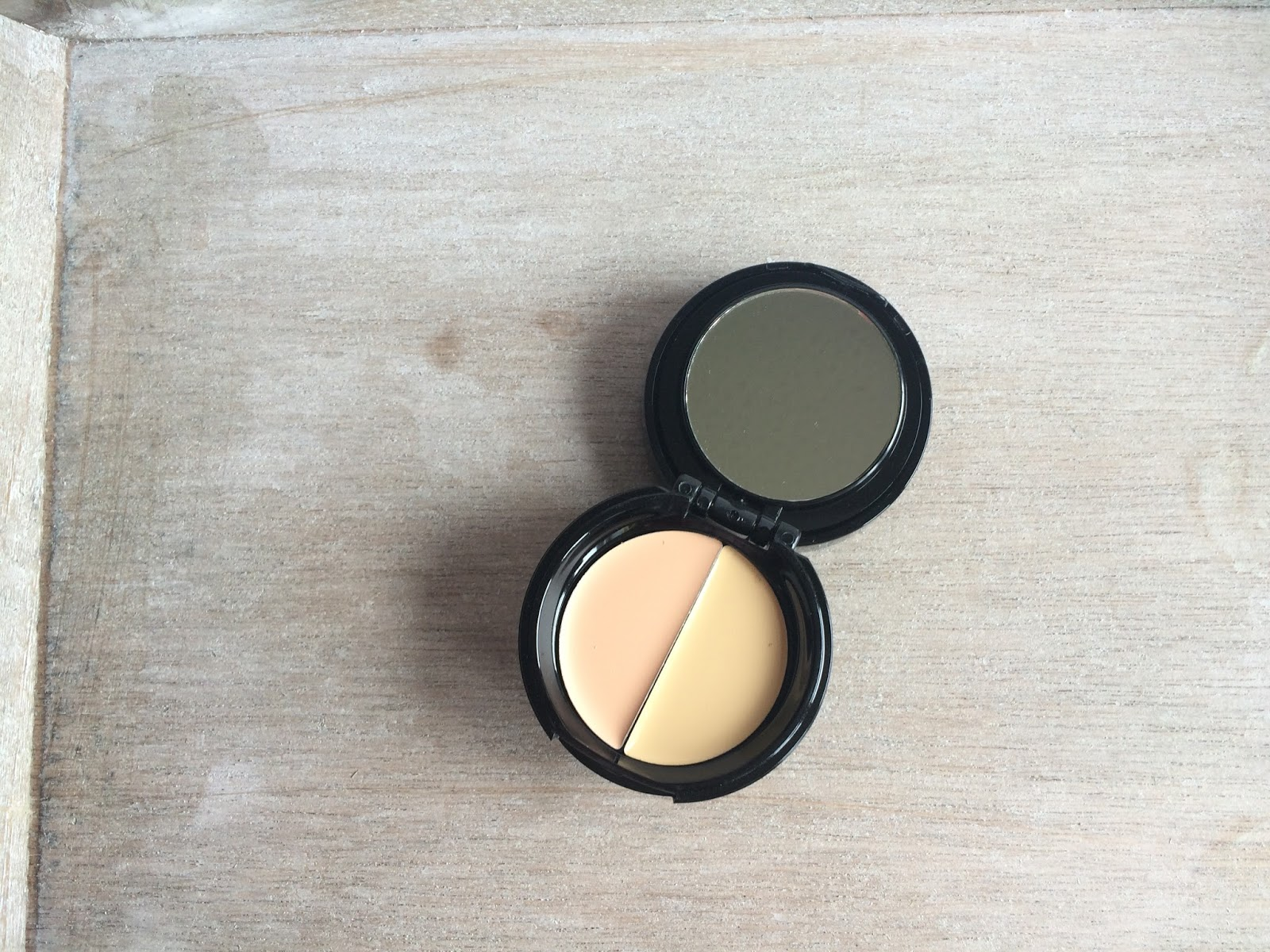 Soap and Glory Kick Ass Concealer Light shades and mirror