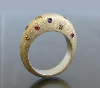 www.daphneartjewelry.etsy.com