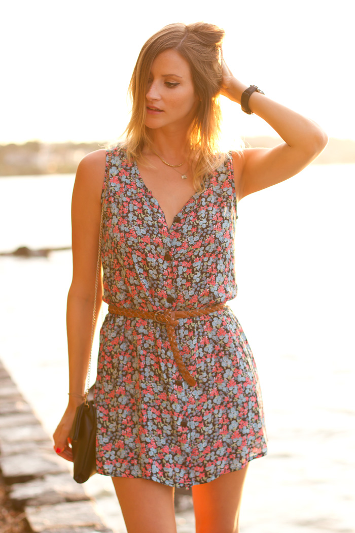 Vancouver Fashion Blogger, Alison Hutchinson, wearing a vintage floral mini dress, Forever 21 belt, Topshop nude ballet slippers, Stella and Dot Necklace and bracelet