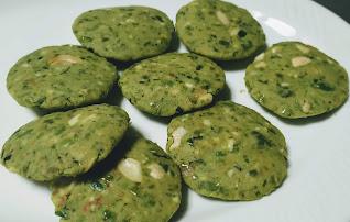 Flat round shape Hara bhara kabab