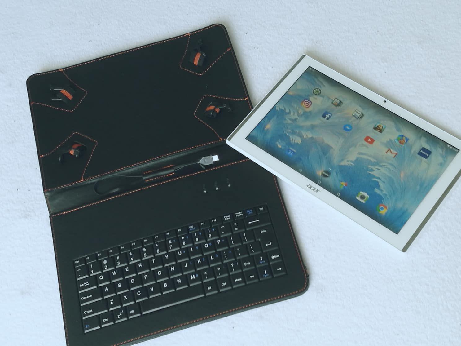 f50f9bc2a Darček, s ktorým som absolútne nerátala a ktorý ma veľmi prekvapil a  potešil, bol tablet Acer Iconia One 10 a k nemu púzdro aj s klávesnicou.