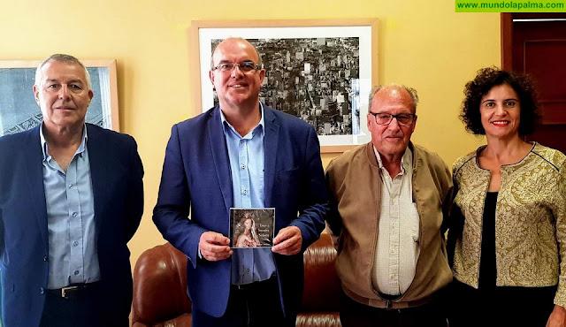 El Cabildo elogia la labor cultural de la Asociación Tagoror II de Julio