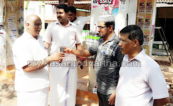 Kerala, News, Kasargod, Bekal, Drinking water, Drinking water installed by Auto Rikshaw Drivers.