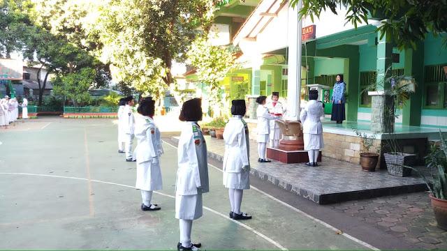 Upacara Hardiknas 2019 di SMAN 110 Jakarta