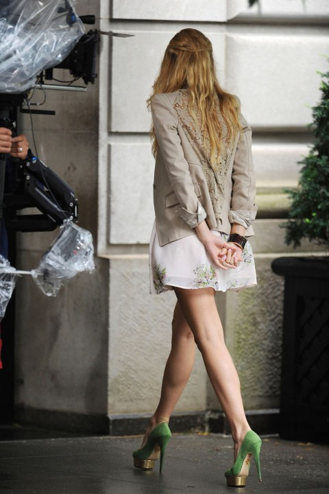 Blake Lively Very Hot In Short Skirt Blake Lively
