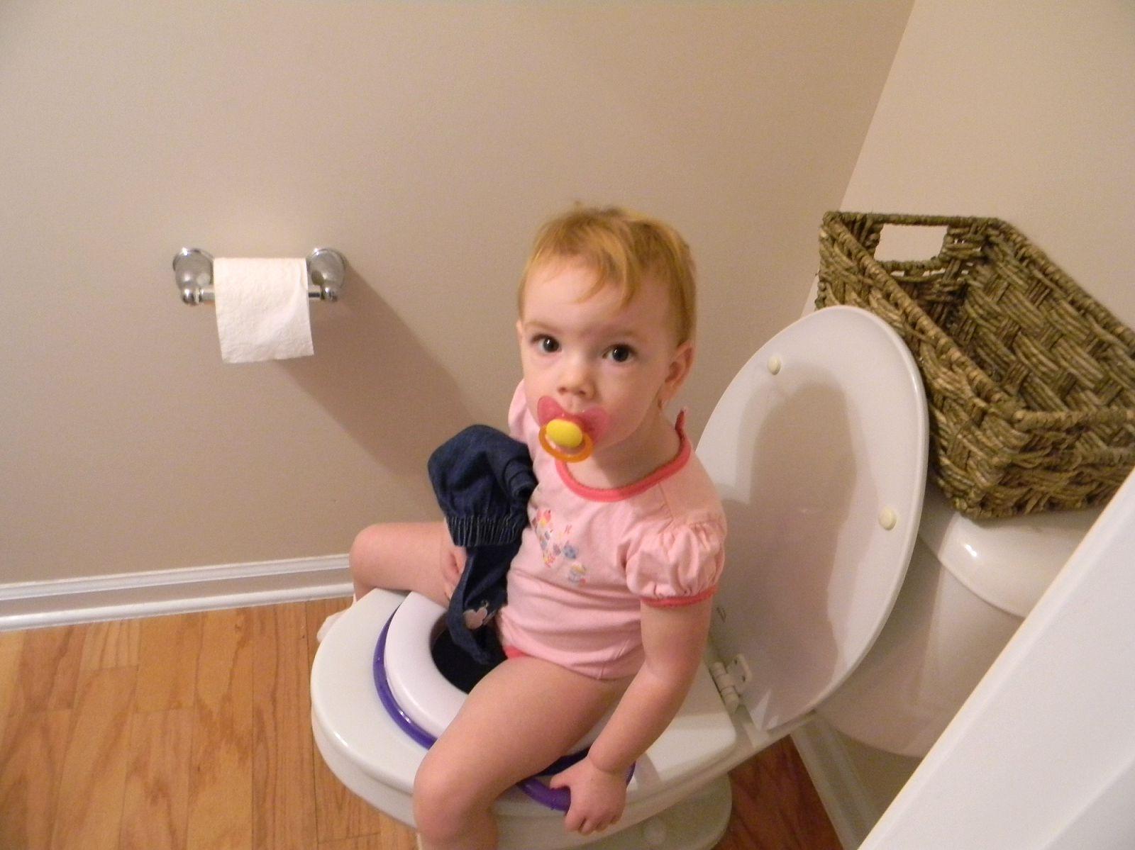 Potty Training Girls 6 Tips - potty training girls | how ...