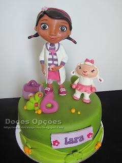 A Lãzinha e a Doutora Brinquedos no 6º aniversário da Lara
