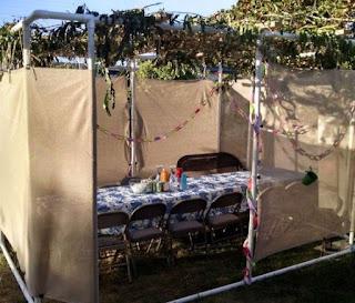 ruang makan minimalis dari pipa paralon