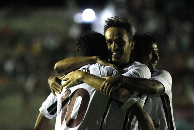 Scarpa anotou um golaço na noite desta quarta-feira (Foto: Divulgação/Fluminense)
