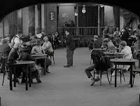 """Кадр из фильма Чарли Чаплина """"Собачья жизнь"""" / A Dog's Life (1918) - 11"""