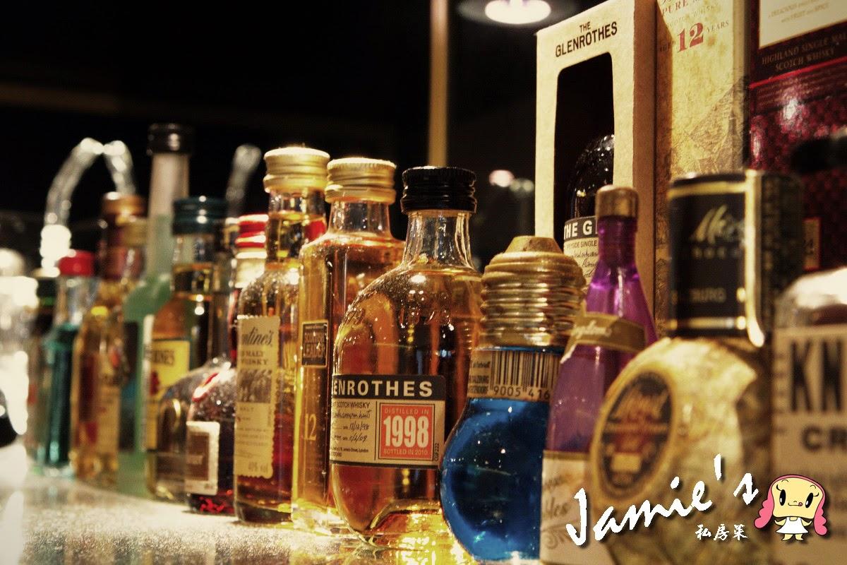 Jamie's Wine-酒櫃一角