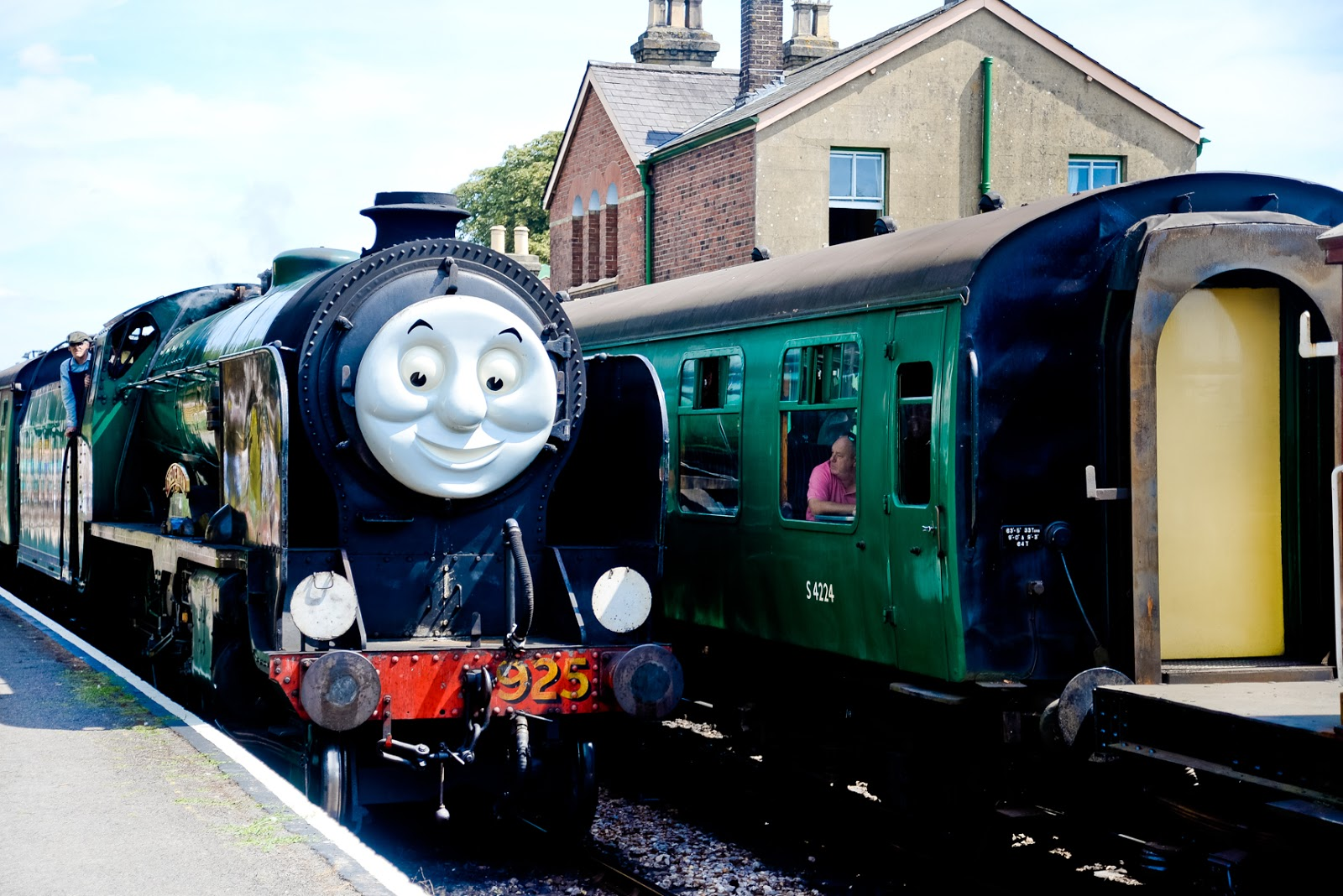 a day out with thomas, watercress line,