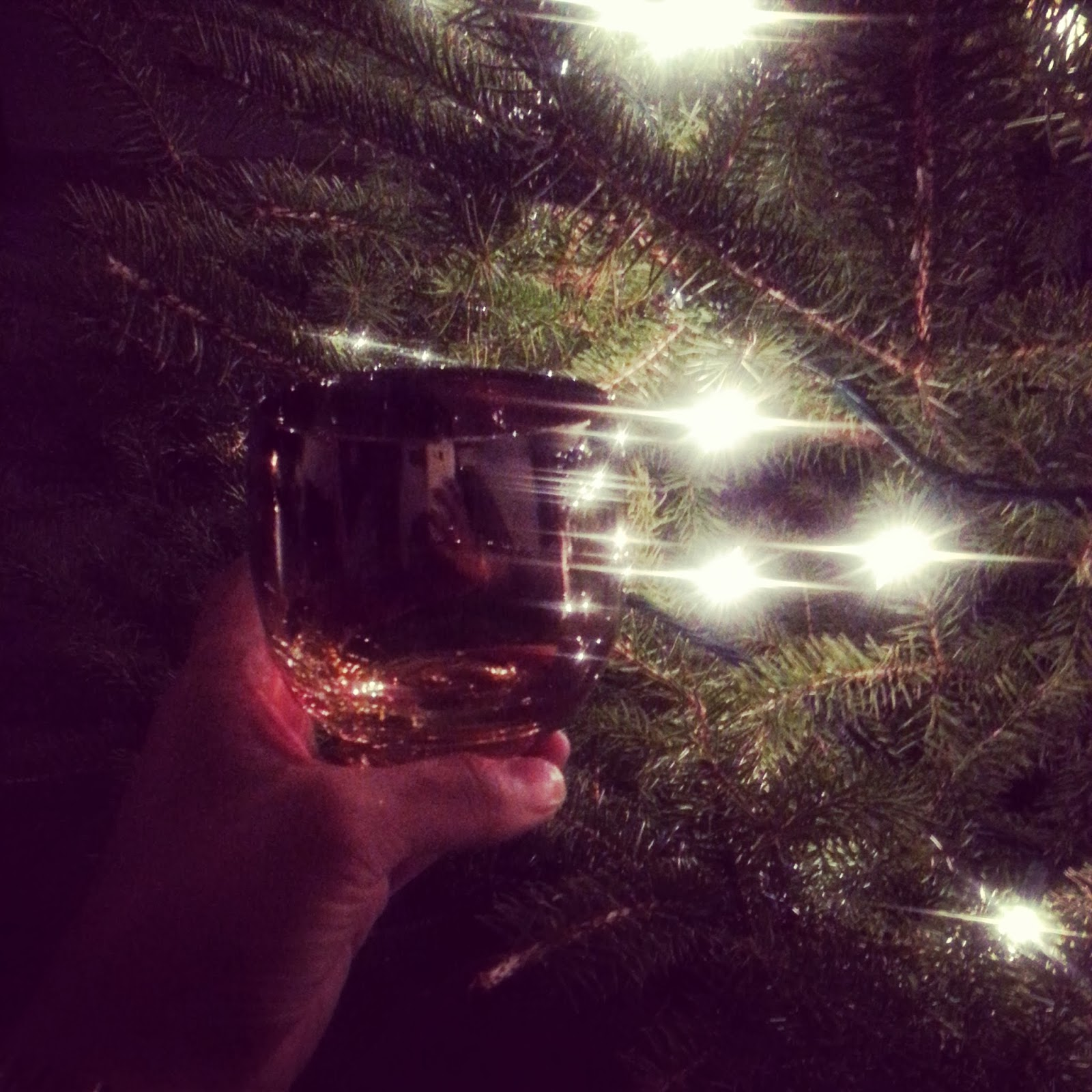 Japanese whisky at Christmas  |  Christmas traditions on afeathery*nest  |  www.afeatherynest.blogspot.com