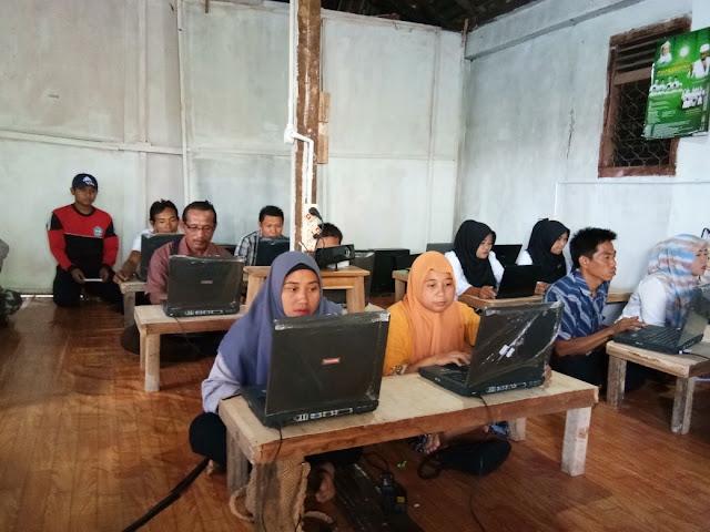 PKBM Amanah Banjit Gelar Simulasi Ujian Berbasis Komputer
