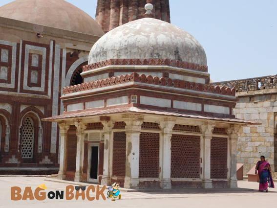 Imam-Zamim-Tomb-Delhi