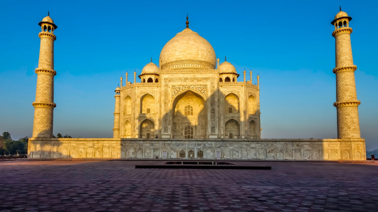 essay about taj mahal agra Personal narrative: my visit to agra and the taj mahal essay - taj mahal out of many places i visited all around the world, the place i like the most is the beautiful .