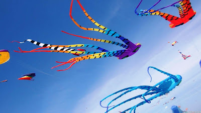 igh Quality new stylish Kites images and photos gallery. Celebrate this Uttarayan by sharing Kite images.