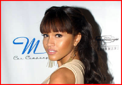 Rosa Acosta Hits the Red Carpet