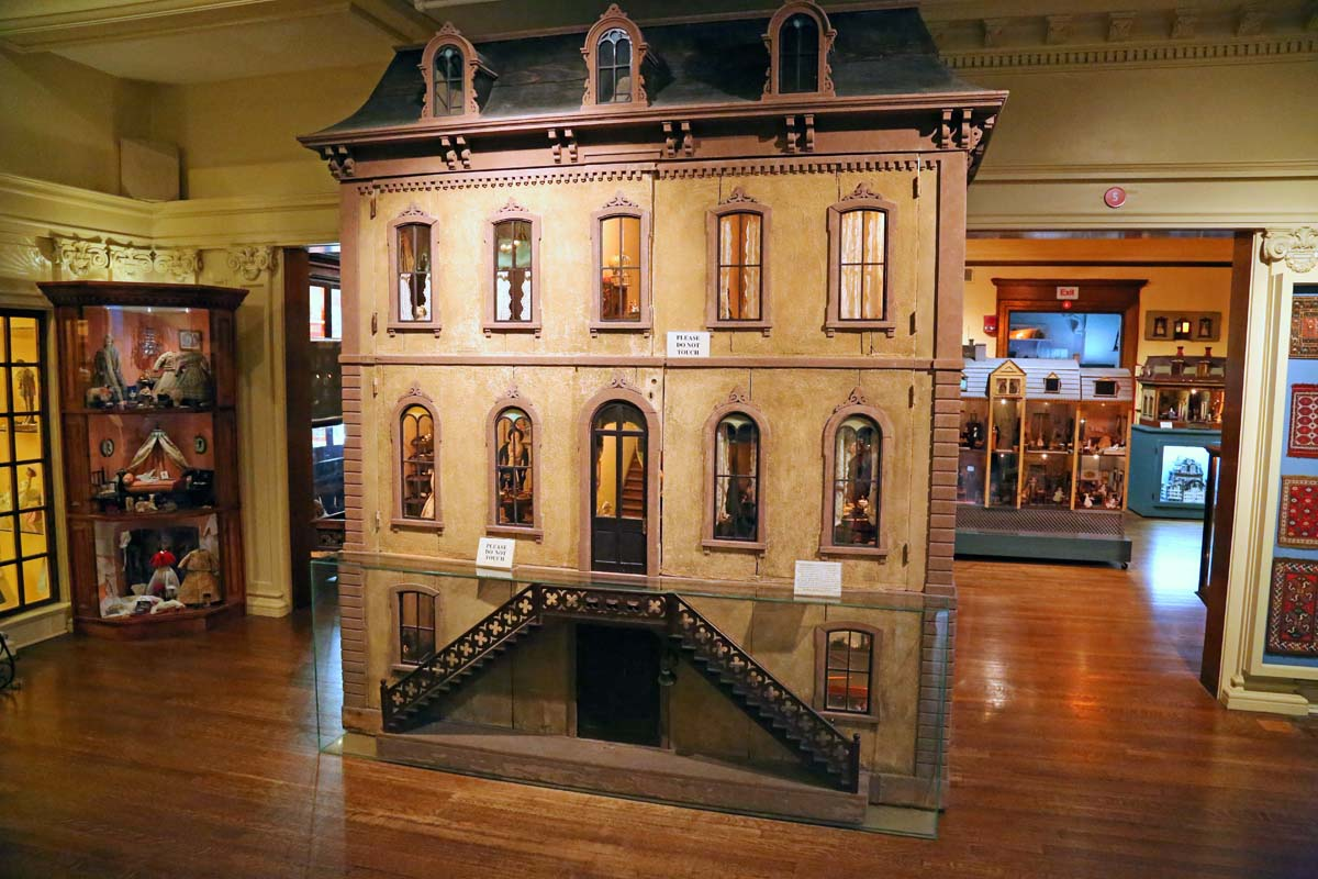 Dollhouse Exhibition And Toy: John And Sigrid's Adventures: Toy & Miniature Museum Of