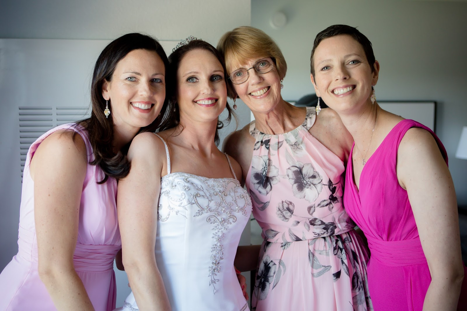 bride with sister and mom
