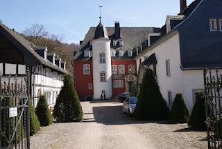 Innenhof der Burg Dalbenden.