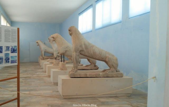 oryginały słynnych naksyjskich marmurowych lwów z Delos Grecja Cyklady