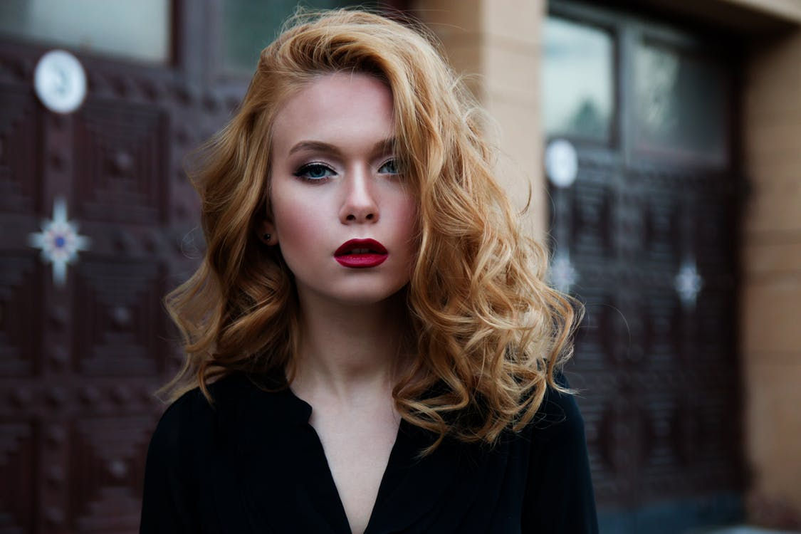 get perfect curls with hair mousse