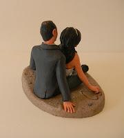 sposi sulla torta top cake personalizzati gatto statuette sposi orme magiche
