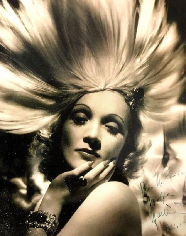 Foto Vintage Marlene Dietrich Paling Hot Dan Sexy Banget