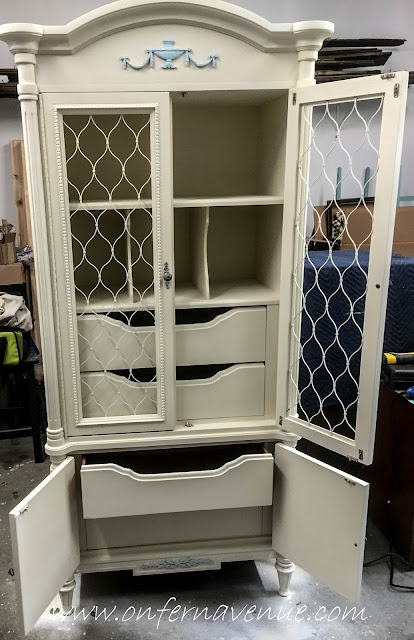 On_Fern_Avenue_Armoire_Makeover_Using_Wagner_SprayTech_Flexio_590