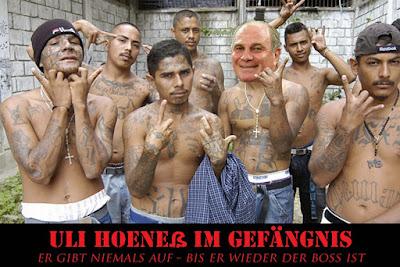 Uli Hoeneß im Gefängnis lustiges Gang Bild mit Text