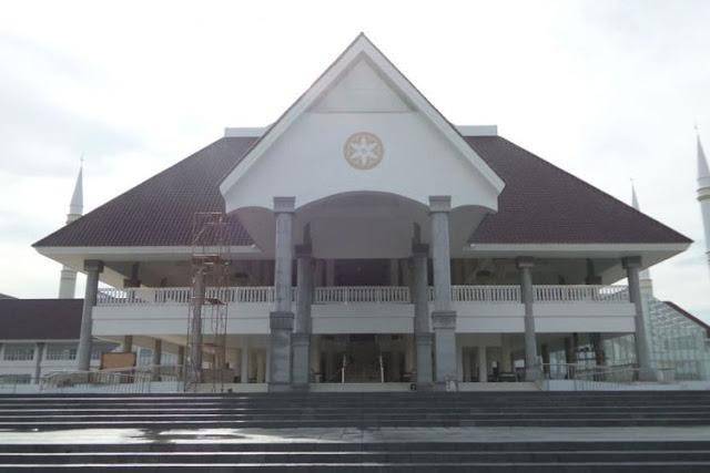 Masjid Raya Hasyim Asy'ari Kini Menjadi Destinasi Wisata Religi