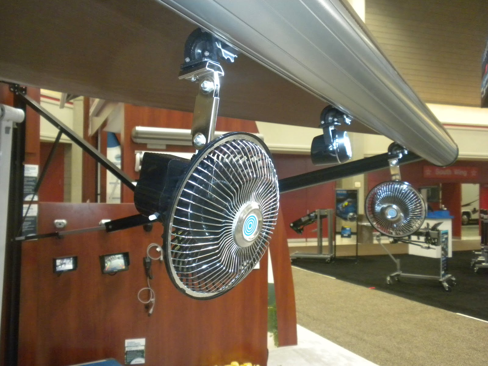 National RV Trade Show: Dometic 9100 Power Awning with ...